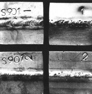 Figura 4 - Face das amostras: esquerda ensaio com solução A; direita ensaio com solução B.
