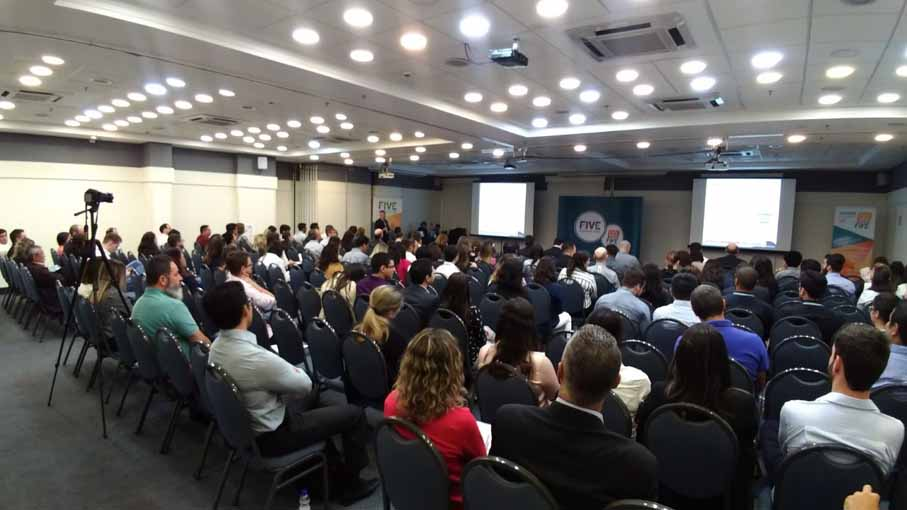 Evento incentiva debate sobre a evolução da tecnologia e sua relação com a qualidade nas indústrias de ciências da vida