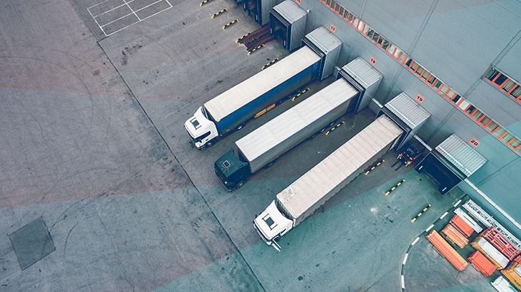 Pesquisa inédita mede a eficiência do transporte de cargas: 83% não entregam no prazo