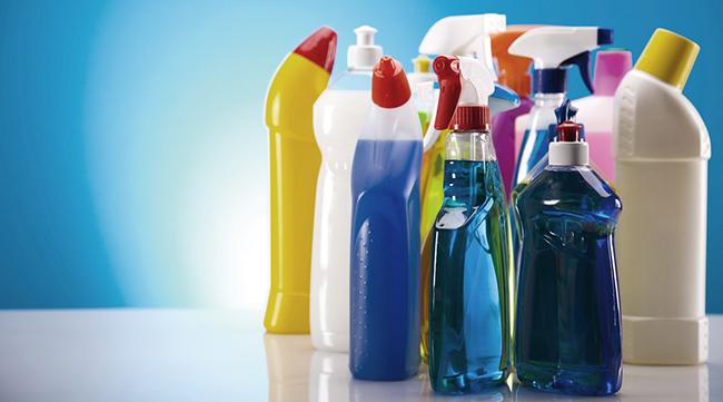 Saneantes substituem álcool gel no combate à Covid-19